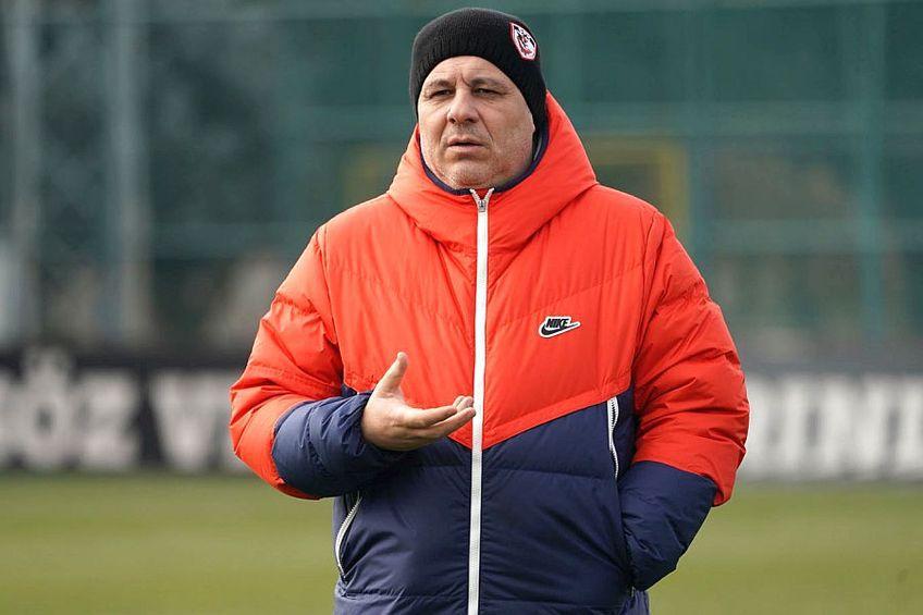Negocierile dintre Marius Șumudică și FCSB nu s-au concretizat. Antrenorul a explicat motivele motivele și s-a declarat surprins de posibila instalare a lui Nicolae Dică.