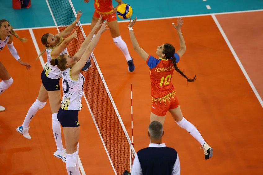 Naționala de volei feminin a României a fost învinsă categoric de Suedia, 0-3 (-21, -17, -16), în al doilea meci al grupei D de la Euro 2021
