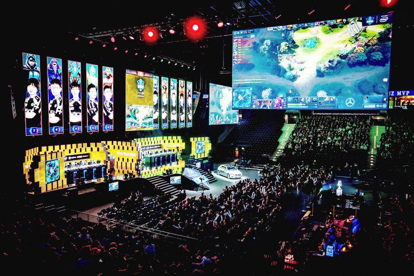 DOTA 2 va lua fața fotbalului în octombrie // foto: Imago