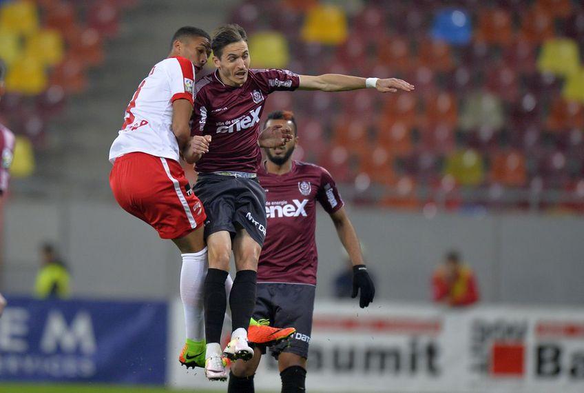 Tiago Lopes, în duel cu Rivaldinho