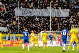 """""""Îl înjurați pe Mititelu / Dar cu el tăiați purcelu'"""" » Incidente între ultrași și mesaje ironice la Petrolul - FCU Craiova"""