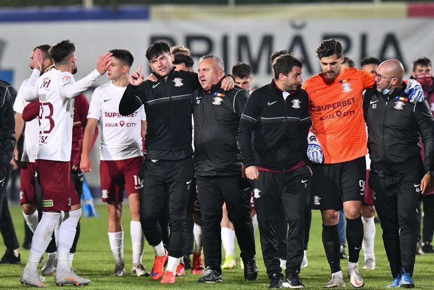 Rapid a trecut de CS Mioveni, scor 0-0 (5-4 la penalty-uri), și s-a calificat în optimile de finală din Cupa României. Mihai Iosif (46 de ani) a revenit cu succes pe banca giuleștenilor, după două runde de suspendare în Liga 1.