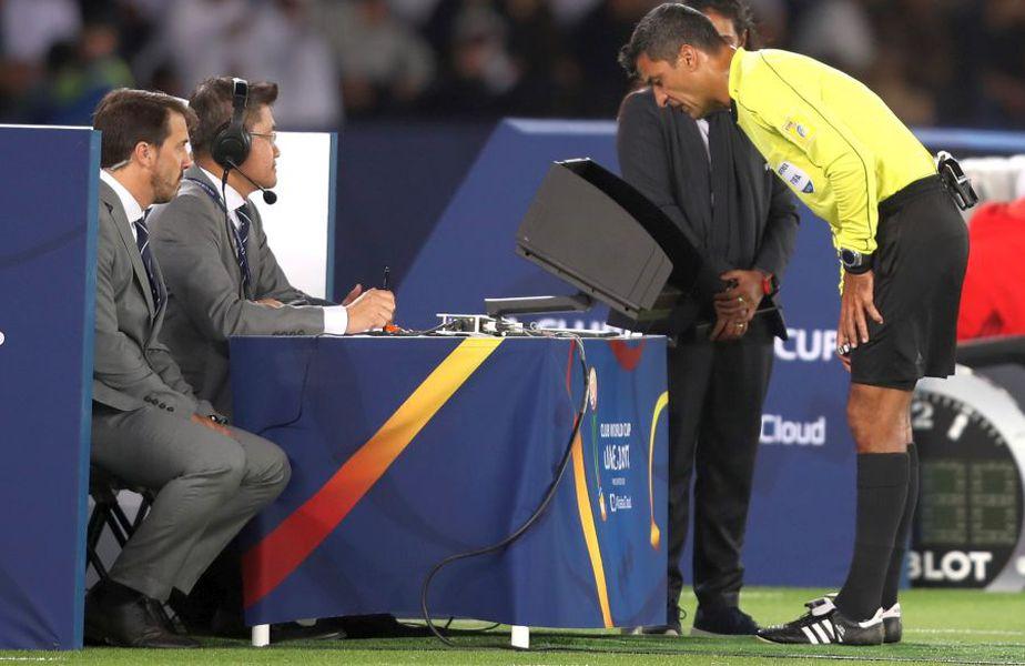 UEFA se gândește să renunțe la video arbitraj pentru ultimele faze ale competițiilor europene // sursă foto: Guliver/gettyimages