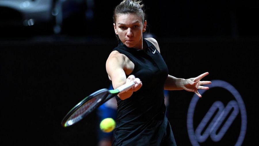 Simona Halep a învins-o pe Marketa Vondrousova, scor 6-1, 6-3.