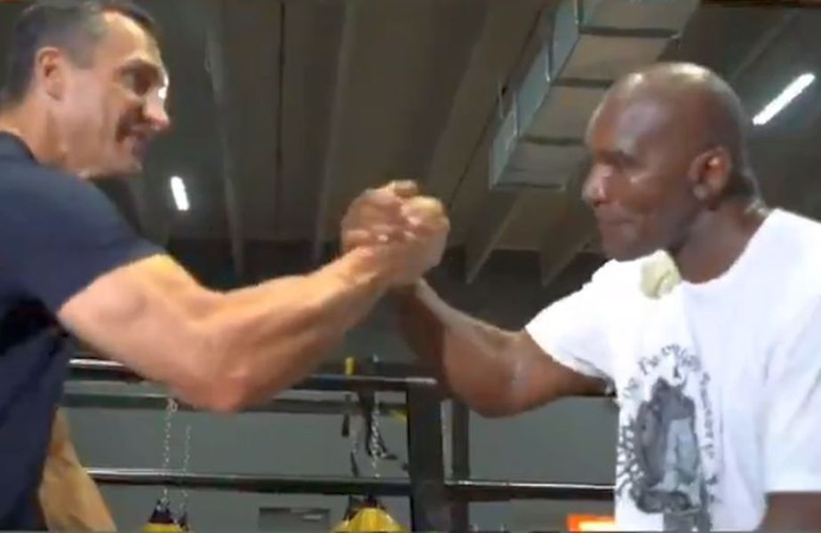 Hollyfield se antrenează cu Klitschko