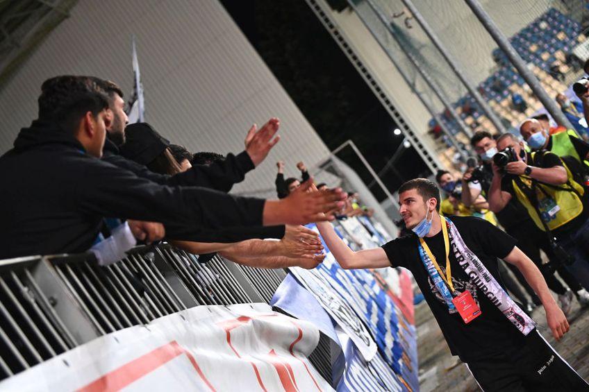 Valentin Mihăilă (21 de ani) asistă la finala Cupei României, pe care CS Universitatea Craiova, fosta lui echipă, o dispută în compania Astrei.