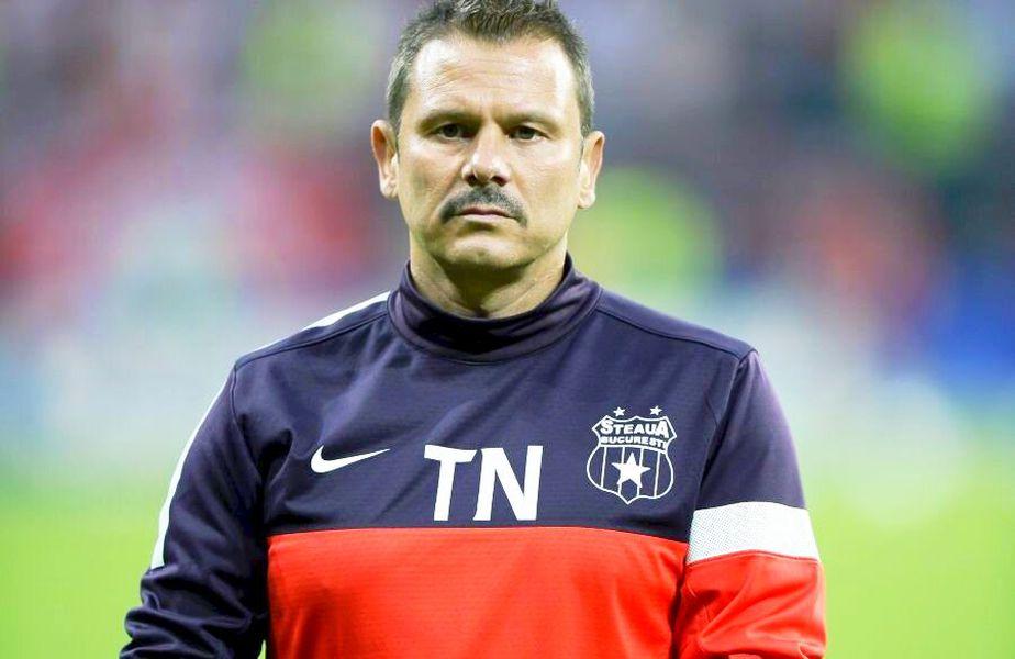 Thomas Neubert, cu mustață, sărbătorind un titlu cu FCSB la ultimul mandat
