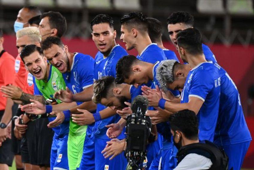 """România a câștigat primul meci de la Jocurile Olimpice, 1-0 cu Honduras. """"Tricolorii"""" au subliniat la final efortul depus pe arena """"Kashima""""."""