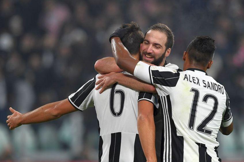 Sami Khedira (stânga), Higuain (centru) și Alex Sandro, la Juventus // foto: Guliver/gettyimages