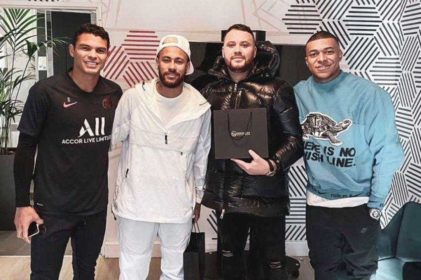 Thiago Silva, Neymar și Mbappe și-au cumpărat telefoane de la iDesign Gold // foto: Instagram