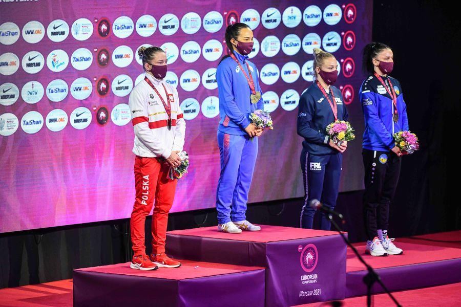 Andreea Beatrice Ana, a doua din dreapta, pe podiumul de la Varșovia Foto Imago Images