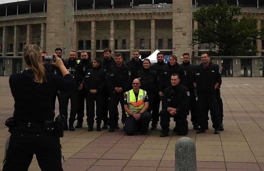 Poza pentru care Poliția din Berlin a fost criticată