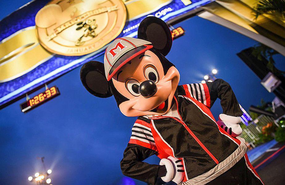 Mickey Mouse îl așteaptă pe Alex Mitriță la Disney Wold din Orlando
