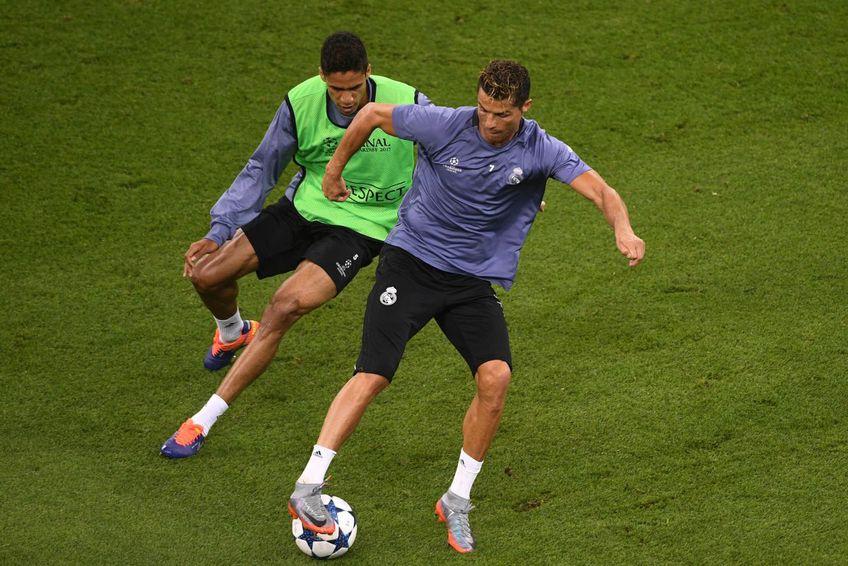 Ronaldo și Varane, în perioada în care împărțeau același vestiar. FOTO: Guliver/Getty Images