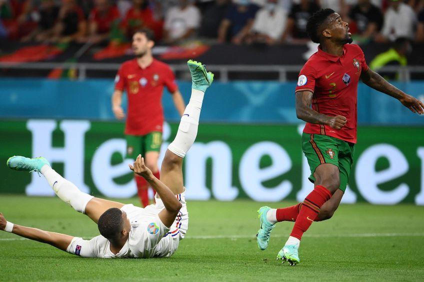 Kylian Mbappe a căzut de lângă Nelson Semedo // foto: Guliver/gettyimages