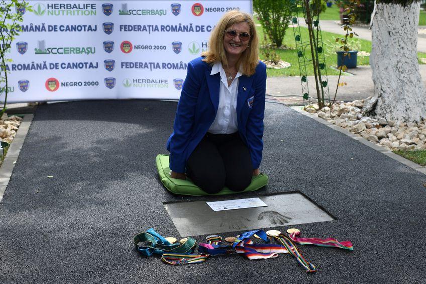 Elisabeta Lipă, amprentele sale și medaliile olimpice FOTO Raed Krishan