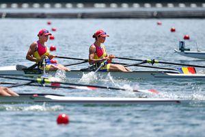 A început spectacolul! Simona Radiș și Ancuța Bodnar au câștigat la pas prima cursă și s-au calificat în semifinale la Tokyo!