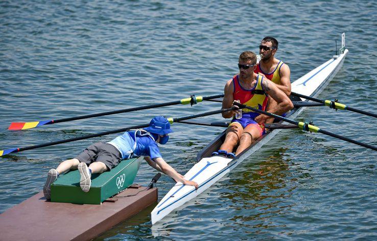 În proba similară masculină, Ionuț Prundeanu și Marian Enache au evoluat în seria a treia de calificare. Au obținut în cele din urmă locul 3