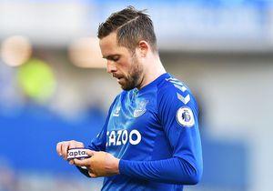 """Sigurdsson, suspectat de pedofilie, """"ascuns"""" de Everton » Jucătorii cer să i se dea numele, soția s-a mutat"""