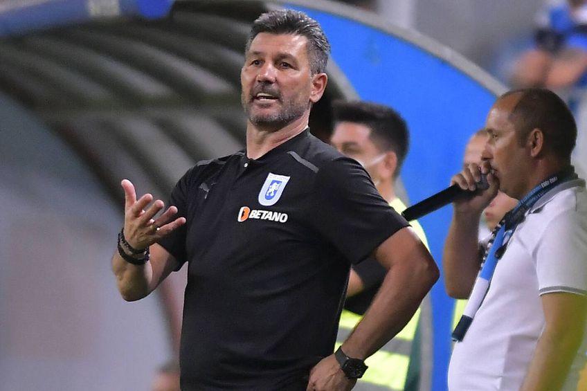 Marinos Ouzounidis (52 de ani) a fost demis din funcția de antrenor al celor de la CS Universitatea Craiova.