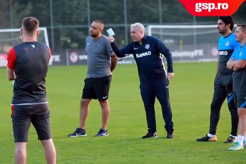 Marius Șumudică, în timpul ședinței cu jucătorii lui Gaziantep