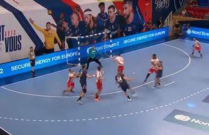 PSG - Dinamo 41-30 » Torent de goluri peste Dinamo! Fără antrenor pe bancă, dinamoviștii sunt învinși clar în Liga Campionilor. Clasamentul actualizat