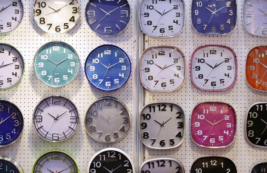 Duminică dimineață, pe 25 octombrie, România va trece la sistemul orei de iarnă 2020 // foto: Guliver/gettyimages