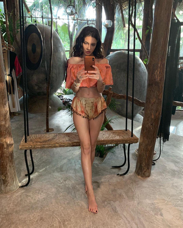 """CORONAVIRUS. Scandal în mediul online: Cristina Ich, iubita lui Alex Pițurcă, acuzată că profită de banii din donații: """"Cât hate mi-am luat de ieri până azi..."""""""