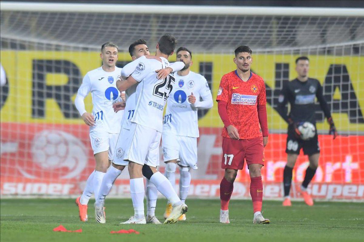 Emoții înainte de Gloria Buzău - FCSB: trei jucători au coronavirus