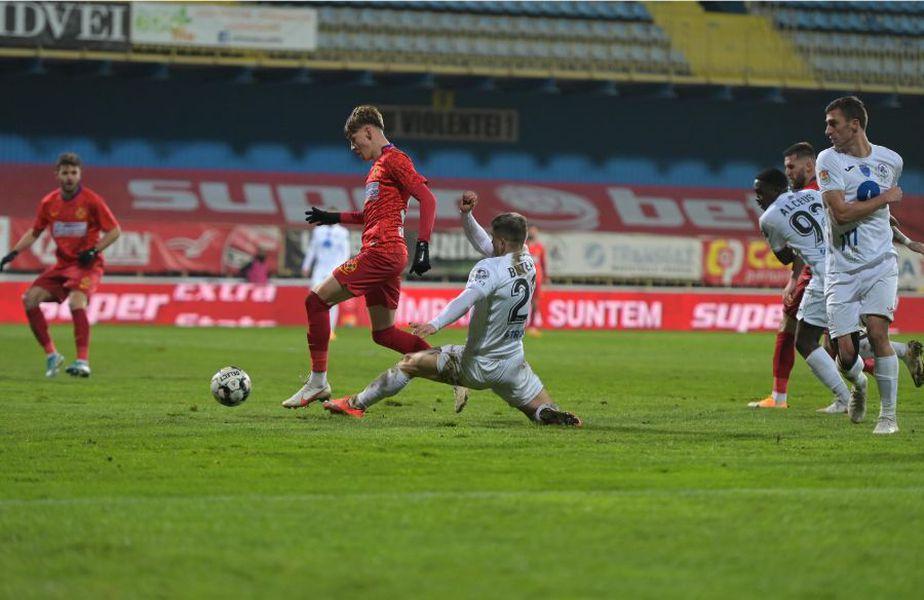 Partida dintre Gaz Metan și FCSB, scor 2-3, a fost decisă de un penalty inexistent, acordat de Sebastian Colțescu în minutul 90.