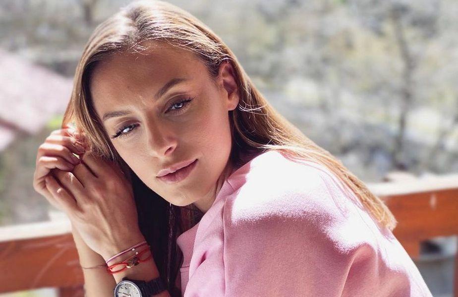 Jucătoarea de tenis Ana Bogdan (28 de ani) și pilotul Simone Tempestini (26 de ani) au sărbătorit ziua de Dragobete pe pârtie, la Sinaia.