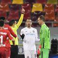 Giedrius Arlauskis (33 de ani), portarul lui CFR Cluj, a fost suspendat o etapă și amendat cu 740 de lei pentru cartonașul roșu încasat în derby-ul cu FCSB (0-3) din urmă cu 4 zile.