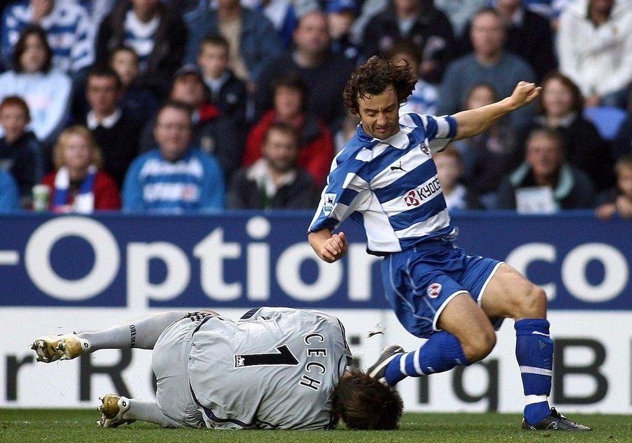 Hunt lasă piciorul în spate și îi fracturează craniul lui Cech