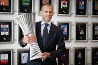 Președintele UEFA a prezentat trofeul Conference League! Ce avantaj va avea câștigătoarea competiției