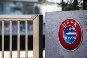 E oficial: UEFA a abolit regula din fotbal care dura de 56 de ani!
