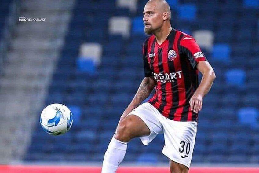 Fundașul central Gabriel Tamaș (37 de ani) a jucat la Maccabi Haifa și l-a avut adversar pe Antoine Conte (27 de ani), noul apărător de la CSU Craiova, în mai multe rânduri.