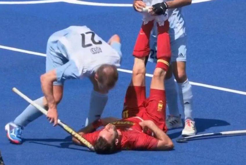 Incidente la Jocurile Olimpice. La finalul meciului de hochei pe iarbă Spania - Argentina (1-1), argentinianul Lucas Rossi, 36 de ani, l-a lovit în cap pe ibericul David Alegre (36) cu crosa!