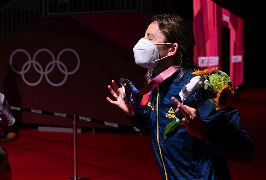 Ana Maria Popescu (36 de ani) a câștigat medalia de argint în proba de spadă de la Jocurile Olimpice. În finală, românca a cedat la limită în fața chinezoaicei Sun Yiwen, 10-1