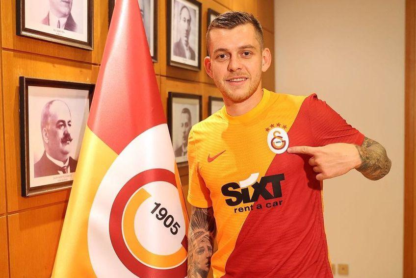 Alexandru Cicâldău este fotbalistul lui Galatasaray! Mijlocașul de 24 de ani a semnat astăzi contractul cu turcii.