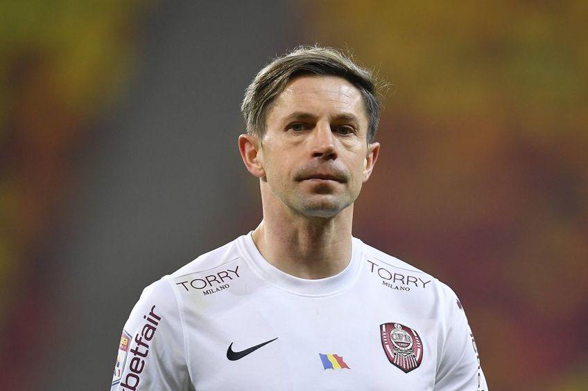 În minutul 68 al meciului Academica Clinceni - CFR Cluj, Ciprian Deac (35 de ani), mijlocașul campioanei, a făcut un penalty stupid. Până la final, Deac și-a reparat eroarea.