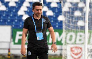 """Ilie Poenaru a luat un jucător în vizor, după eșecul cu CFR Cluj: """"Nu știe să se apere, el merge mai departe"""""""
