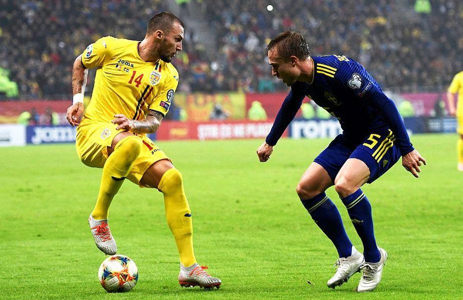 Vasile Mogoș (stânga), la singurul său meci la echipa națională, 0-2 cu Suedia
