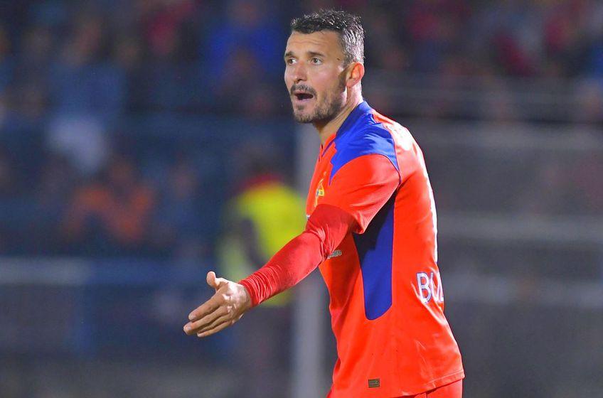 La primul joc ca titular de la revenire, Constantin Budescu a dezamăgit, fiind al doilea cel mai slab jucător ofensiv de la FCSB și depășit inclusiv de doi fotbaliști de Liga 3: Hergheligiu și Laurențiu Buș