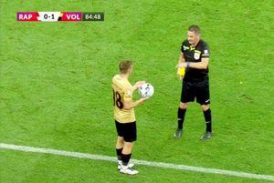 """Costin contestă eliminarea cu Rapid: """"Când i-am spus că mai am un galben, a rămas așa..."""""""