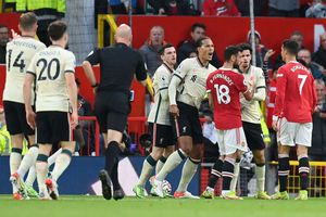 Cristiano Ronado, gest golănesc în Manchester United - Liverpool! Trebuia eliminat?