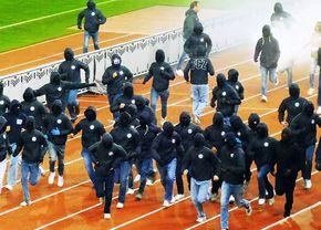 Vestul Sălbatic! Haos în toată regula în Europa: ultrașii au coborât pe pistă și au sărit la bătaie!