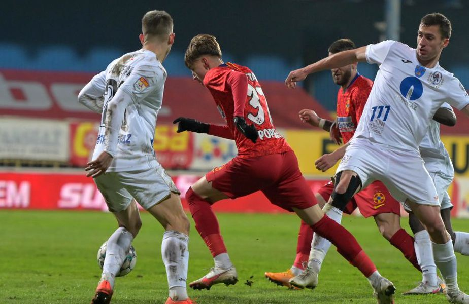 Octavian Popescu a primit nota 8 din partea Gazetei, după meciul Gaz Metan - FCSB 3-2. foto: Raed Krishan