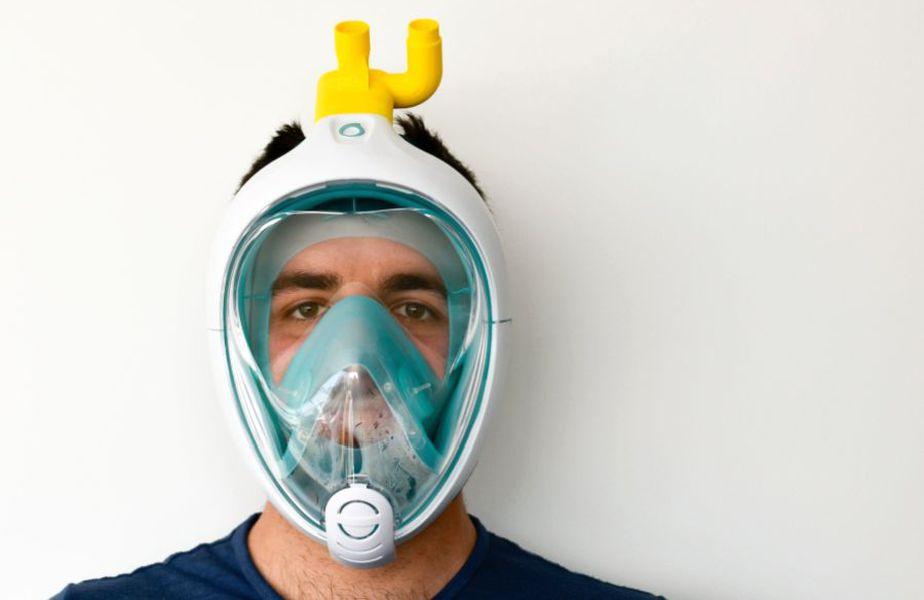 Mască de urgență concepută de Decathlon și Isinnova // sursă foto: Isinnova