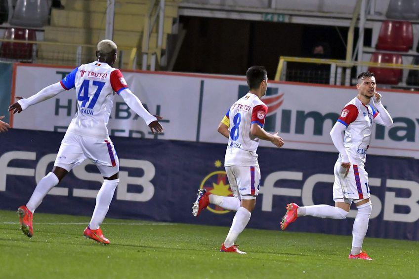 Stefan Ashkovski (primul din dreapta), la FC Botoșani // foto: Imago