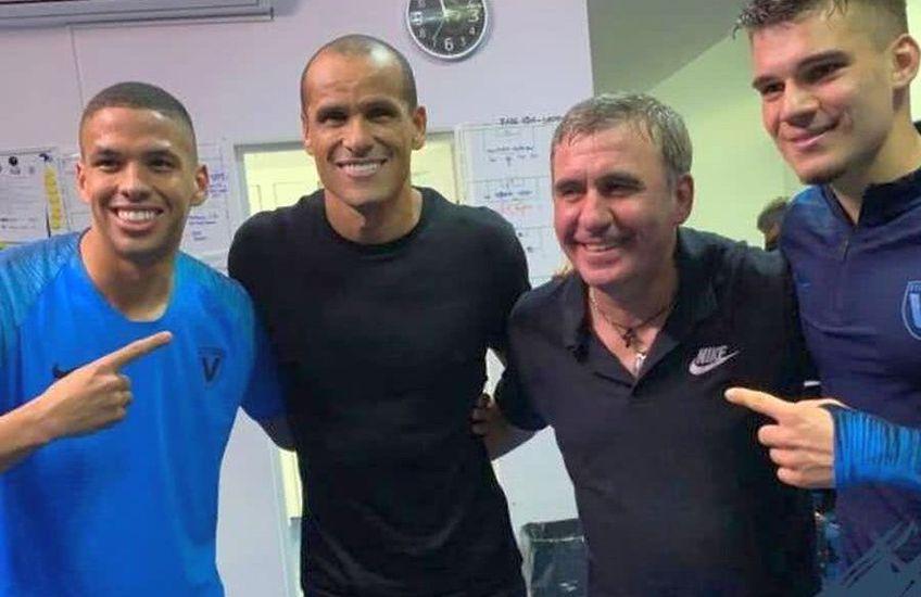 Rivaldo, Rivaldinho, Ianis și Gică Hagi, într-o fotografie de colecție